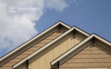 Smooth Finish or Cedar Texture: Which Siding Finish Will You Choose?
